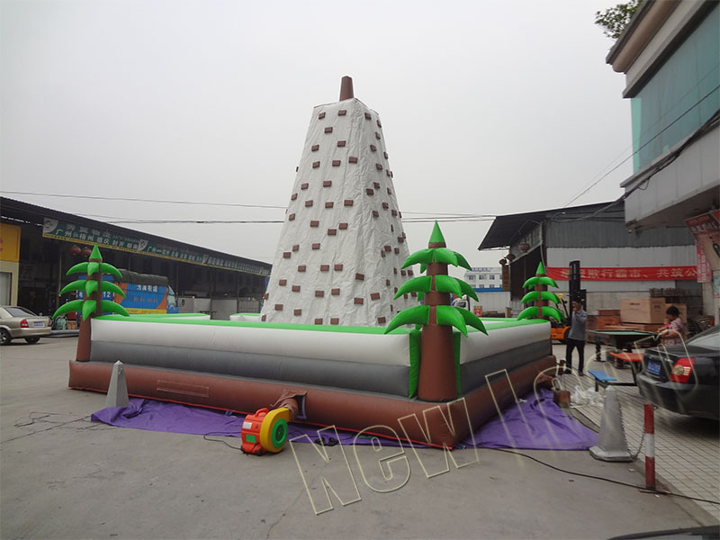 Inflatable rock climbing mountains