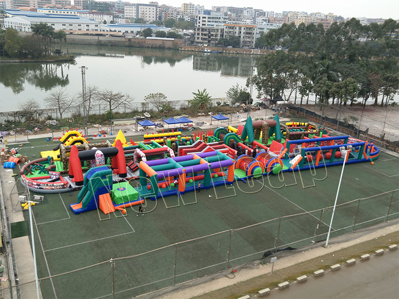 World biggest inflatable obstacle